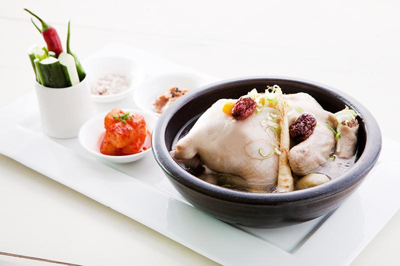 """ลิ้มลองเมนูอาหารเกาหลีรสชาติต้นตำรับ ในเทศกาลอาหารเกาหลี """"Taste of Korea"""" ณ ห้องอาหารเลเทส เรซิพี, โรงแรมเลอ เมอริเดียน กรุงเทพ (สุรวงศ์)"""