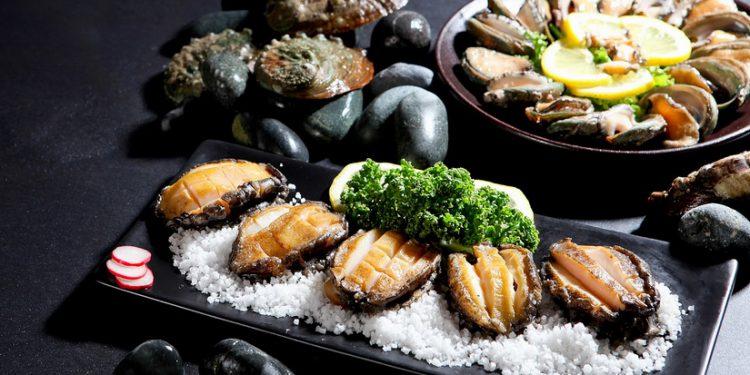 หอยเป๋าฮื้อ เมนูมื้ออร่อยสุดพิเศษ สไตล์เทปปันยากิ